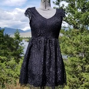 Dresses & Skirts - NWOT Lace Little Black Dress with Cap Sleeves